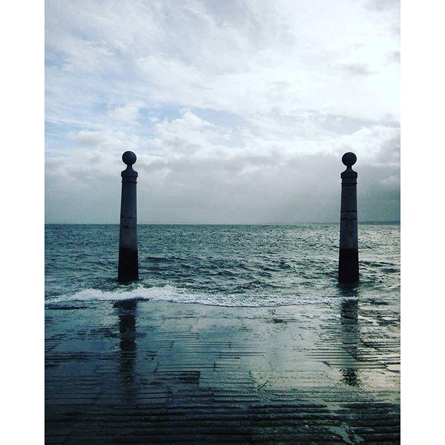 Um Raio De Sol Na Água Fria : Amor² : InstaMoments Lisboa