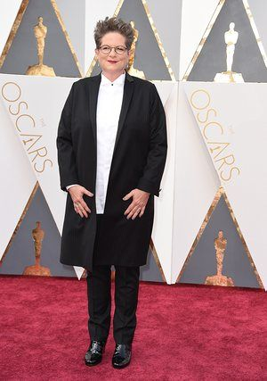 Carol screeenwriter Phyllis Nagy does gender neutral tux-ing. Which means she's first to score points for an actual fashion trend. But she needs to up her hand game. A double thumbs up could have worked here.