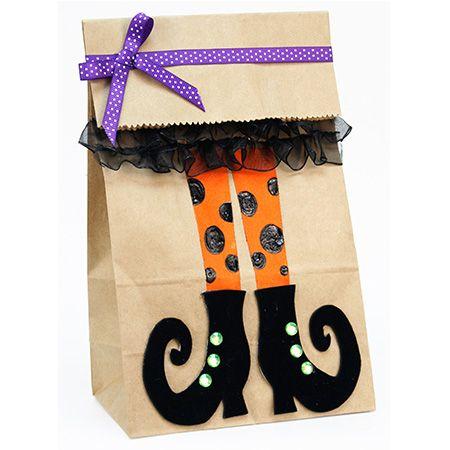 Proyectos |Bolsa de papel con pies de bruja