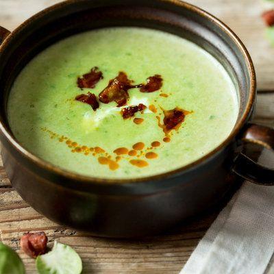 Cremige Rosenkohl-Suppe mit knuspriger Chorizo_featured