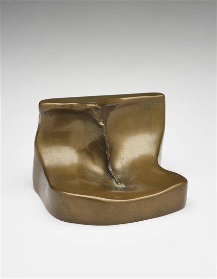 Marcel Duchamp - Feuille de vigne femelle; Medium: bronze; Dimensions: 9 X 14 (Depth: 12.5) cm.