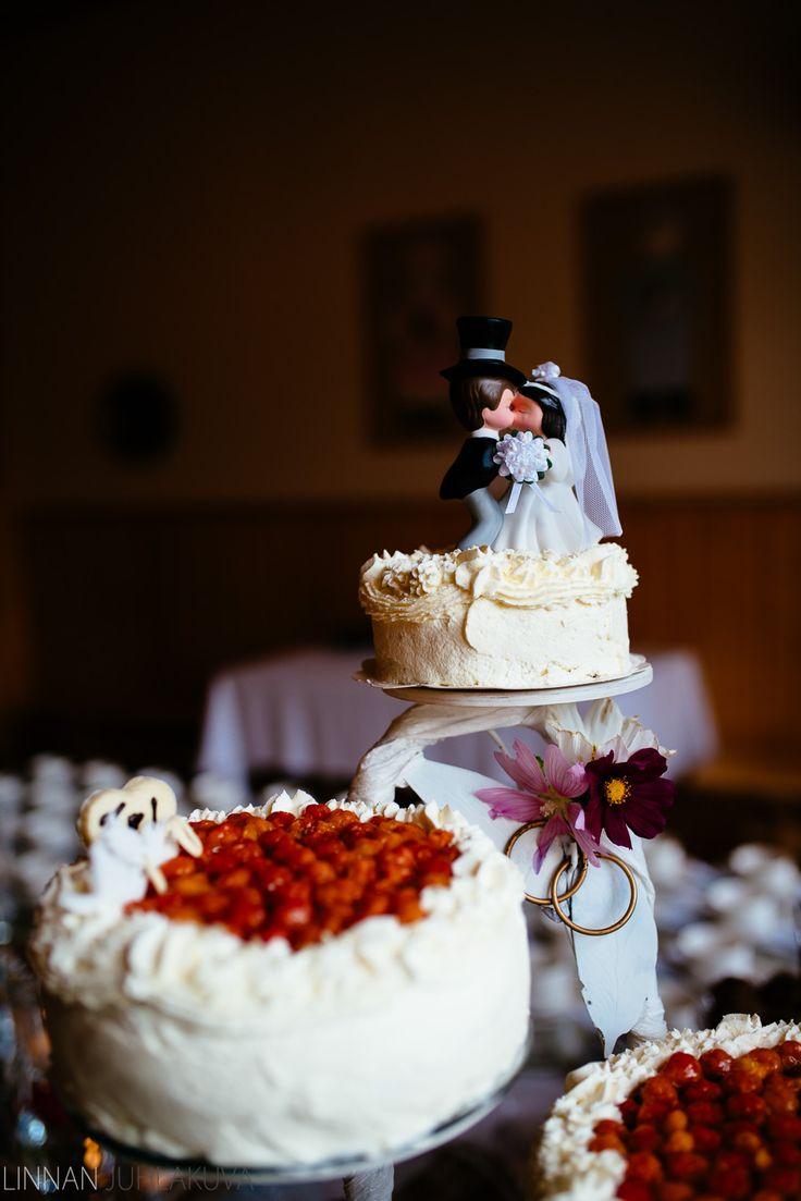 Hääkakku.  #wedding #cake #weddingcake #häät #hääkakku