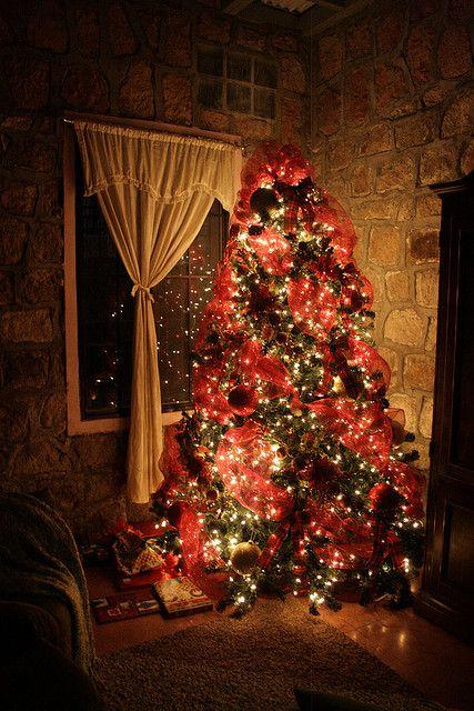 A beautiful classic Christmas tree
