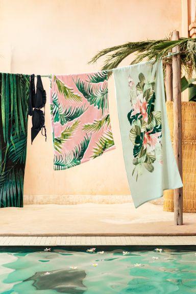 Serviette de plage à motif - Vert menthe/fleuri - Home All | H&M FR 1