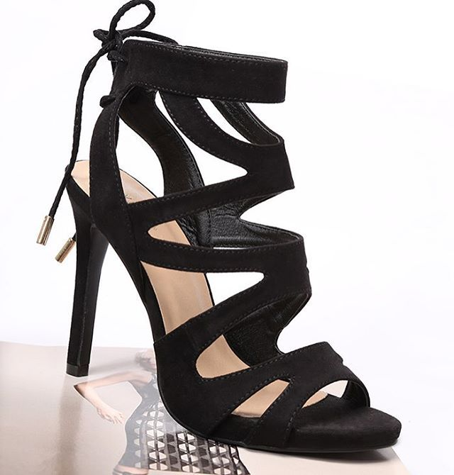 Coś czarnego , coś eleganckiego... Coś do spodni a może do sukienki? Cudne! Czyż nie? 💗 #vices #vicesshoes #summertime #summercollection #bloggers #bloggerchoose #instagirl #loveit