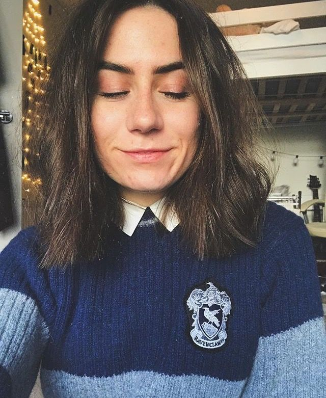 I really like Dodies ep and she's a ravenclaw which is really cool but she's not hufflepuff which kinda sucks but at least Hannah witton is