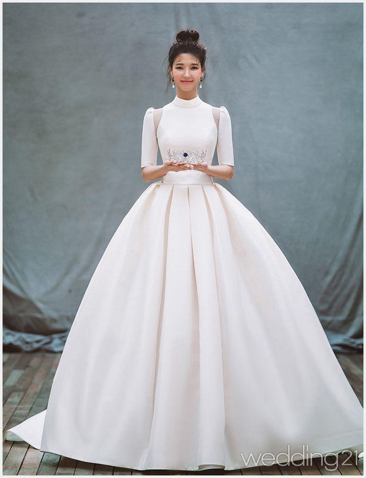 로맨틱 웨딩드레스를 입은 배우 임세미의 특별한 순간, 클라라웨딩 블랙라벨 1