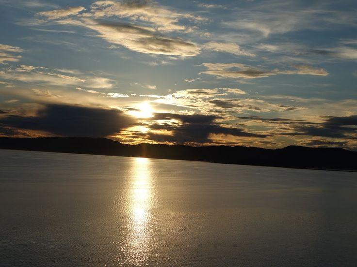 Sunset over Oslo Fjord PICT_20140701_214323.JPG