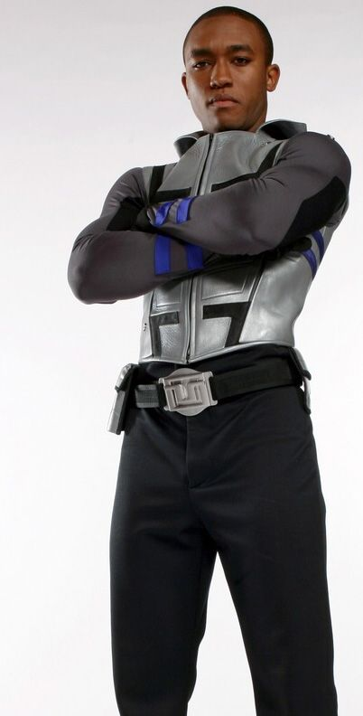 Smallville actor Lee Thompson Young (Cyborg) has passed away - August, 2013