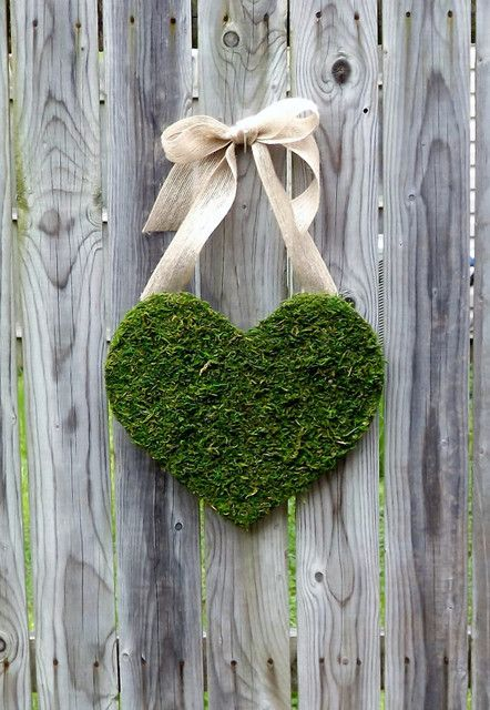 Moss-Covered Wood Heart With Burlap Bow