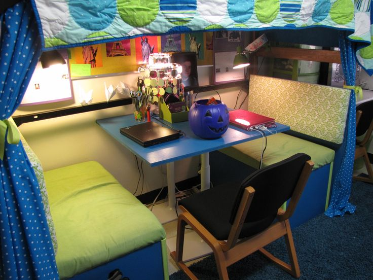 Cute Breakfast Booth For Under A Lofted Dorm Bed. Part 40