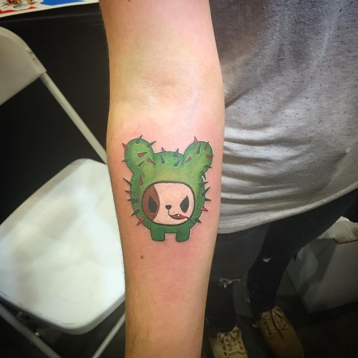 Couldn't sleep all night. I felt like I was getting my first tattoo all over again because it's my first one that's gonna always be visible. @mikhailanderson did an amazing job. Super chill guy. Thanks for everything. I love it! #Pasadena #tattoo #expo #LA #art #tokidoki #mexican #puppy #nopal #fiesty #dog #sundayfunday #goldenstatetattooexpo #ink #fresh