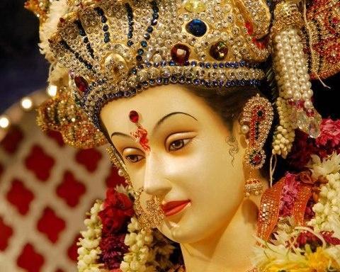 Such Divine Durga Maa...!