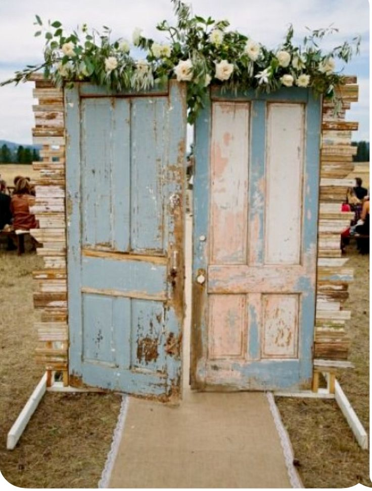 Great looking entrance to outside wedding .could also use as a backdrop for ceremony or behind cake or beverage table lots of ideAs Comments: Gemjunkiejewels