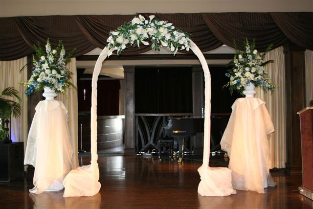 20 best images about wedding arches on pinterest wedding for Arch decoration pictures