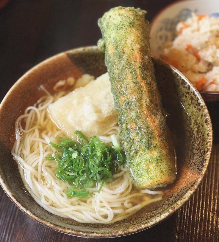 伊丹で1番美味しいと思うおうどん屋さん『ふっさん @udon.fussan 』やっとお父はんにも食べさせてあげれた♩ ちくわ天も食べたくて頼んだら、棒みたいなぶっといのん出てきた❤︎ぷりっぷりであつあつ揚げたて美味しい〜🤤✨おうどんも私好みの細いやつ❤︎ お父はんが食べてた、冷たいおろし醤油&鶏天丼も美味しかったな〜♩ちくわ天、餅天おすすめ〜🤤✨ #自家製麺うどん処ふっさん #おうどん #細うどん #伊丹市 #伊丹市役所の近く