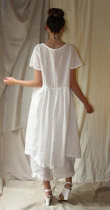 PDF downloadable sewing patterns  I am so going to make this!