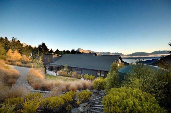 Luc's awesome alpine sanctuary, New Zealand :: Habitat of the Week