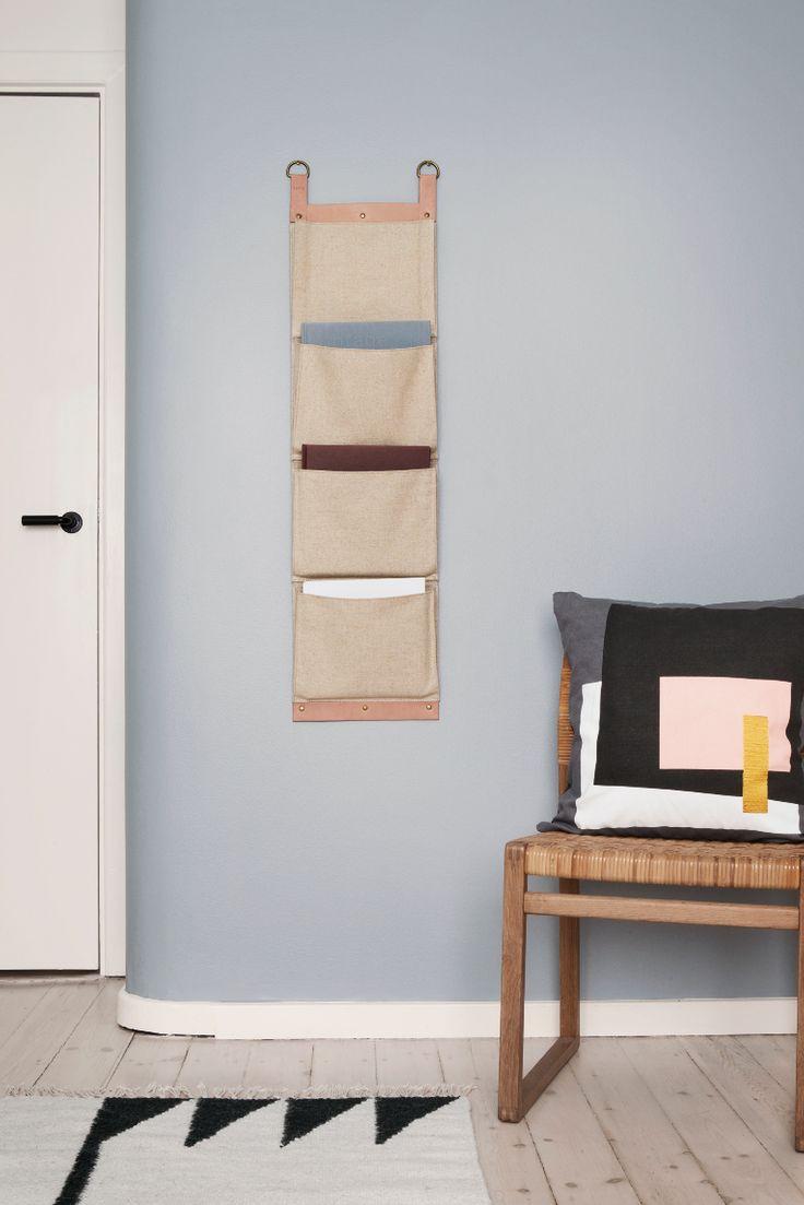 Kaunis kankaasta valmistettu lehtiteline on luotu yhteistyössä New Yorkiin perustetun Søren Rose Studion ja ferm LIVING:in kanssa. Voit käyttää lehtitelinettä myös esimerkiksi hattujen, hansikkaiden tai huivien säilyttämiseen.