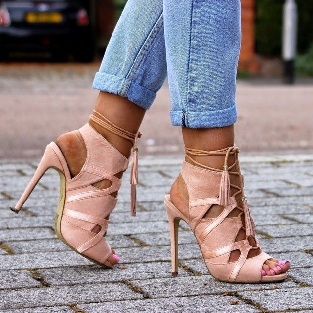 #Blogger @sarahhashcroft ups her shoe game in our Valentina Lace Up Heels!