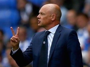 Uwe Rosler signs new three-year Fleetwood Town contract