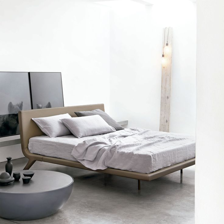 bonaldo cama stealth cama de diseo stealth de bonaldo elegante y moderna cama con estructura metlica y de madera cuenta adems con relleno de