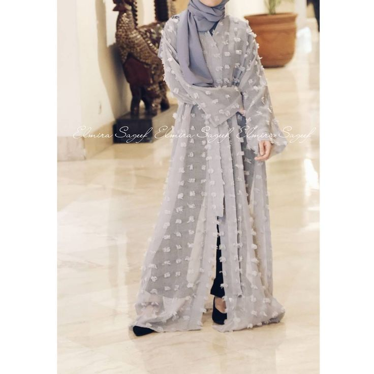 Lumiere in grey 💕 . . . #abaya #caftan #caftanabaya #hijab #hijabstyle #hijabfashion #hijabi #kaftan #dubaimall #dubaiabaya #jualabaya #jualabayaindonesia #abayajakarta #hijabers #abayafashion #abayafashionweek #abayagossip #abayaoftheday #abayablogger #hijabblogger #jakarta #kualalumpur #selangor #kalimantan