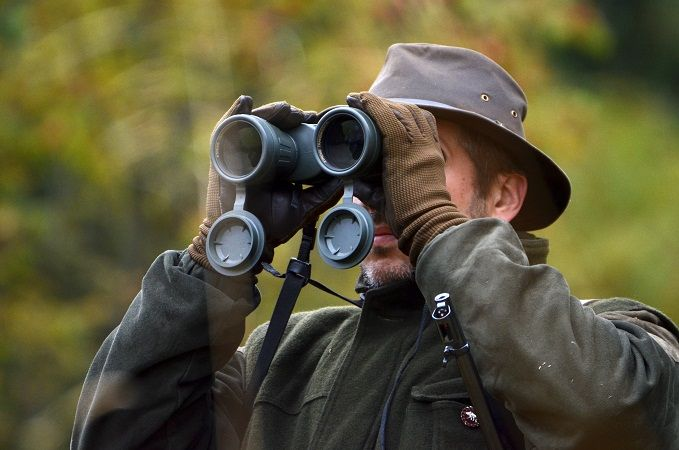 Finding The Best Binoculars in 2017 w/ 5 Reviews Read full article:https://outdoorempire.com/finding-best-binocular-reviews/ Getting the right pair of binoculars is confusing sincethey come in different styles and sizes. Not all of them are the same thats for sure. Since you already have an idea where you intend to use them its time to at least have a basic understanding of the binoculars specs and features before finally buying one.