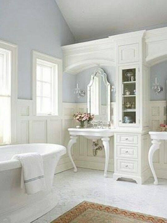 Pin by carole wallart on salle de bain pinterest - Salle de bain shabby ...
