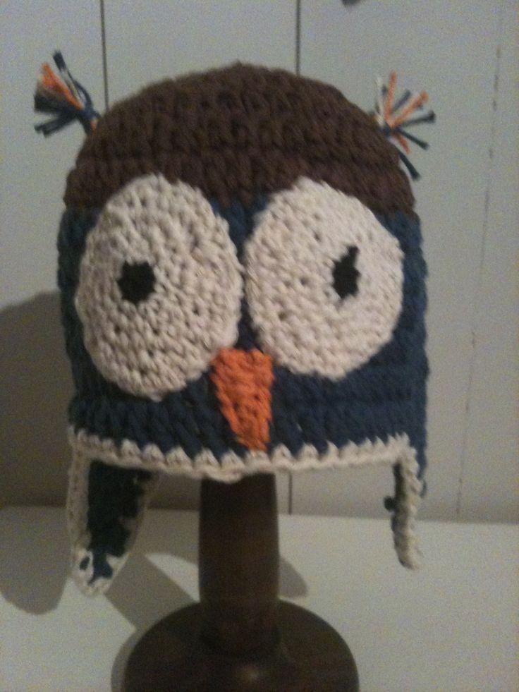 Owl crochet hat.