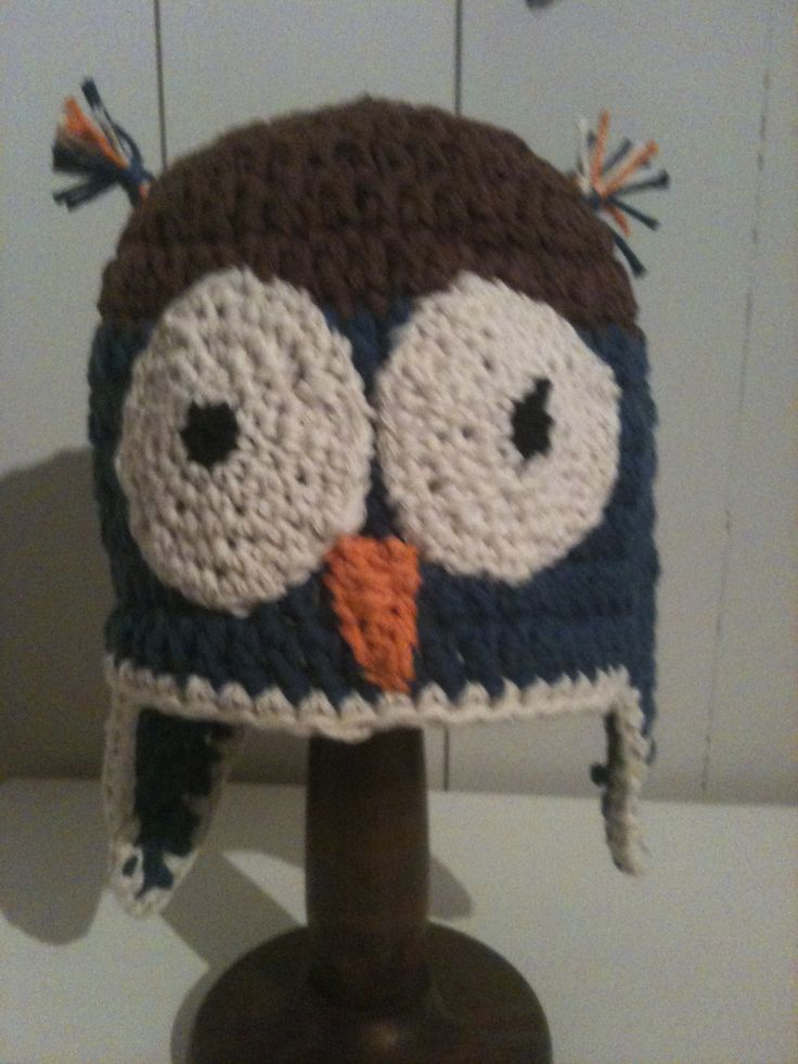 Owl crochet hat.
