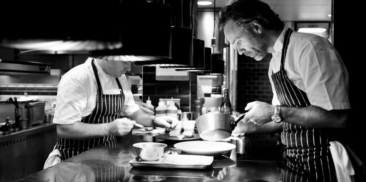 Marcus Wareing's theatrical modern cuisine with British influence has hit gastronomic heights, winning two Michelin stars, five AA rosettes, 8/10 in the Good Food Guide, the Rémy Martin XO 'Best Overall' Restaurant award and the Best Chef award from Harden's Guide.