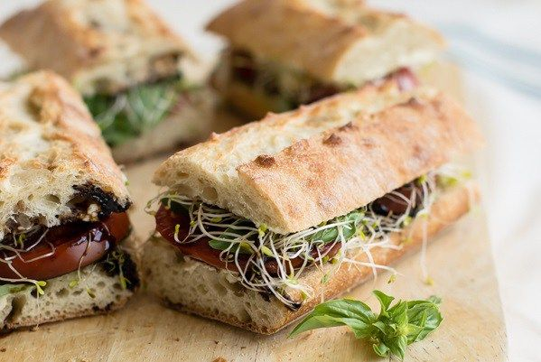These vegetarian picnic recipes are both portable and easy to make in advance. Perfect for a picnic in the park!