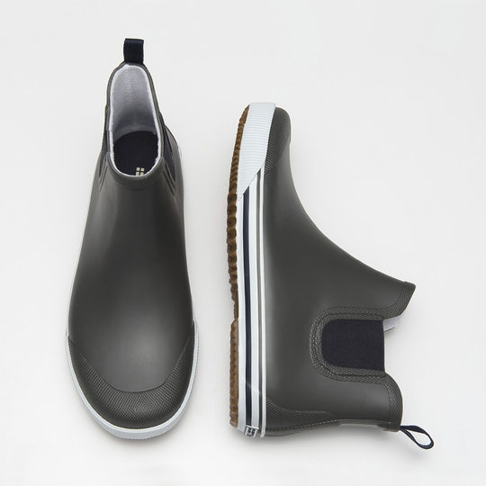 Rubber boots for men.