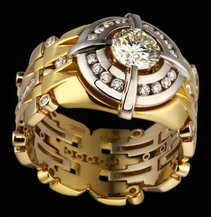 Mens ring - white diamond and yellow gold