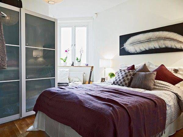狭い寝室でもマネできる 海外のベッドルーム40選 スマイン 住まい デザイン 建築系メディア 寝室の配置 ベッドルーム インテリア 寝室インテリアのアイデア