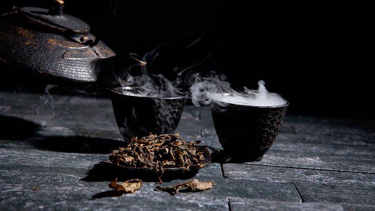 """Para quienes buscan iniciarse en el consumo de #téverde, ya sea por el simple placer de beberlo o para aprovechar sus múltiples beneficios a la salud, una pregunta sobresale del resto: """"De China o Japón, ¿cuál es el estilo ideal para mi paladar?"""" V60 Coffee, China, Green, Health, Style, Porcelain"""