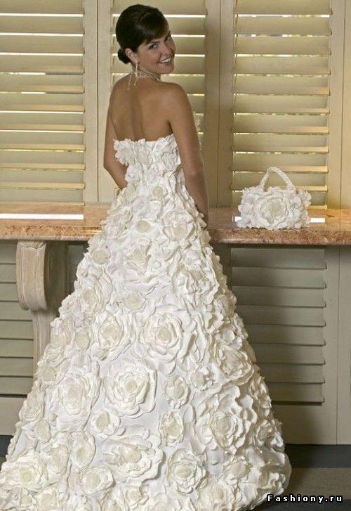 Необычные свадебные наряды... / короткое свадебное платье