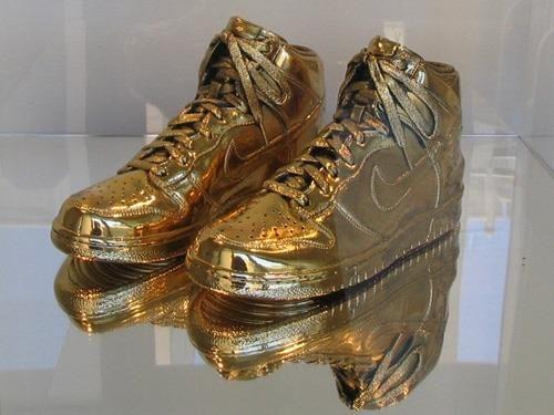 Nike золотые женские кроссовки