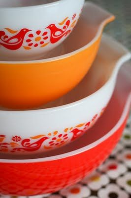 Awesome orange pyrex bowls!
