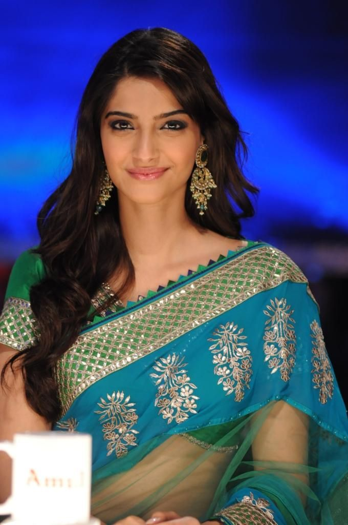Love this sari and the color combination!