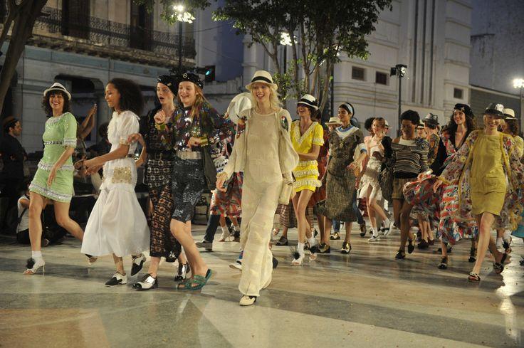 Zomerse sferen bij de Chanel Cruise collectie in Cuba
