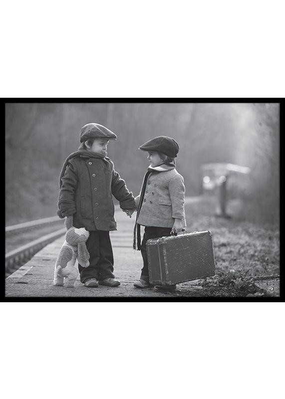 Barn med resväskor