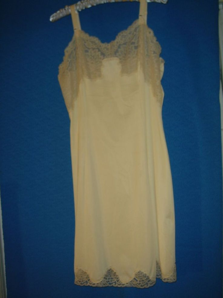 VINTAGE LACY women clothes 60s 1960s FULL SLIP beige antron NYLON B=34 S #wondermaid #Slip #Party