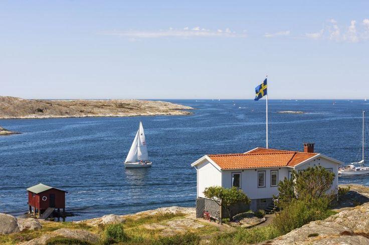 Bohuslän op de Koster Eilanden bij Göteborg (Zweden)©  Langs de ruige en dramatische kust van Bohuslän liggen kleine kleurrijke vissersdorpjes en rotsachtige eilandjes.