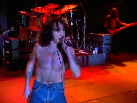 AC/DC- High Voltage live - YouTube
