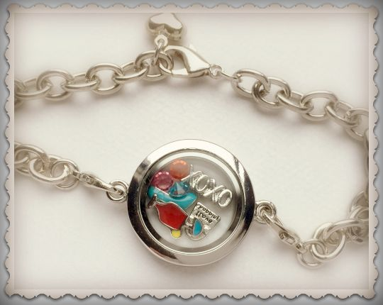 Enter to win: 'Bellissima Living Lockets' Bracelet - image is example only | http://www.dango.co.nz/s.php?u=nyOu34Mi2396