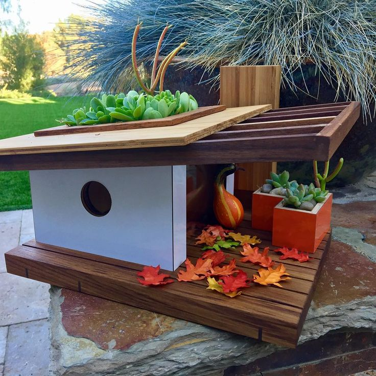 Midcentury modern birdhouses—why not? - Curbed