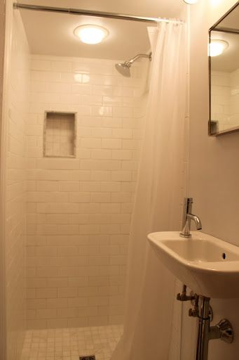 I promised I would do a posting once I found a mirror for the basement bathroom.  And here it is.  It is a really tiny bathroom, so it's ha...
