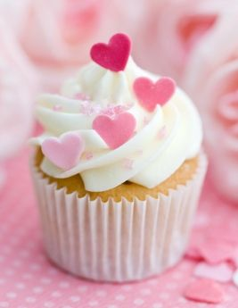 Sweet heart cupcake for a pink - red wedding